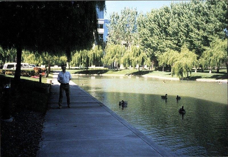 http://www.zaigralin.com/97-02/g00/199704_RedwoodShores01.jpg